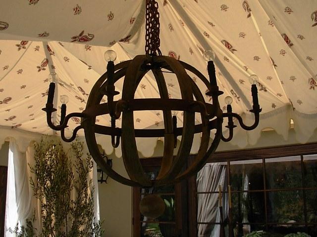 wine-stave-chandelier