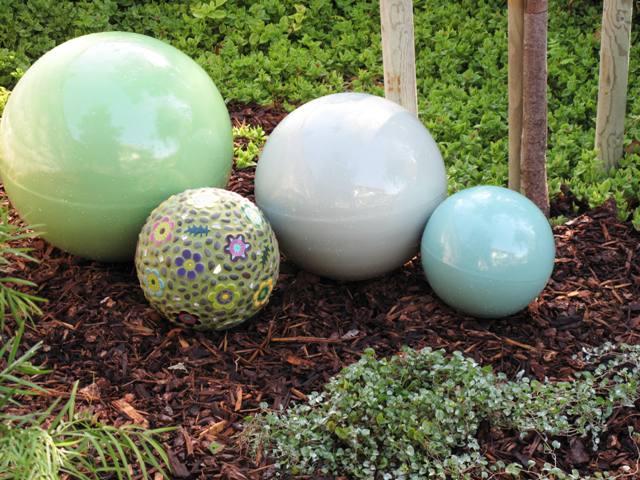 Garden spheres home design ideas and pictures for Sphere garden design